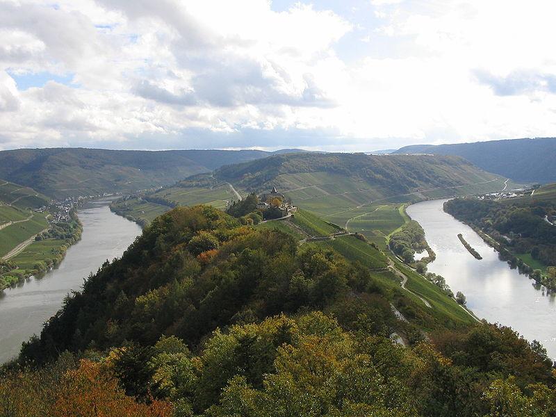 8-9 oct.:  Balades des vendanges(Weinleselangstreckenfahrt) Saar & Moselle 800px-10