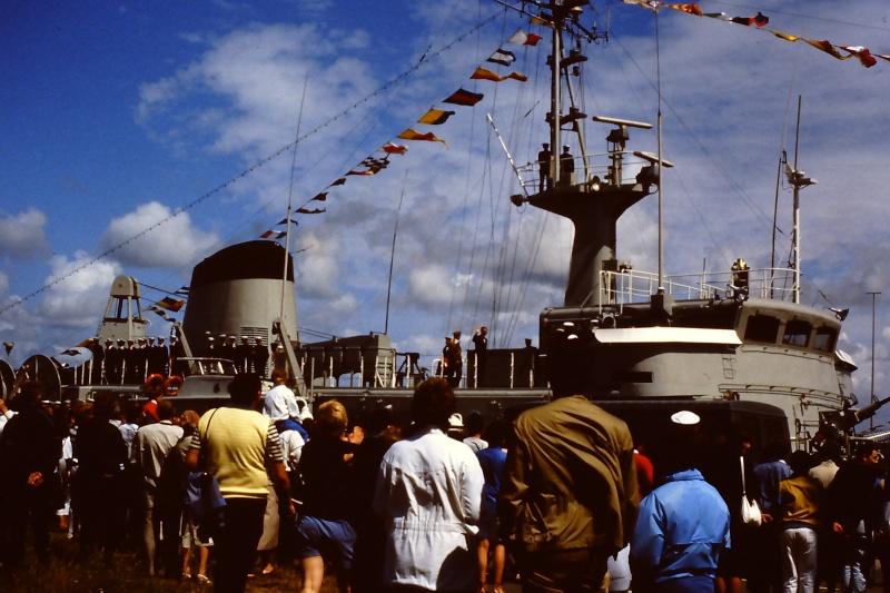 Ouverture du nouveau port de Zeebrugge en juillet 1985 - Page 2 002_ju10