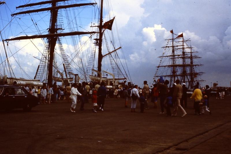 Ouverture du nouveau port de Zeebrugge en juillet 1985 - Page 2 006_ju10
