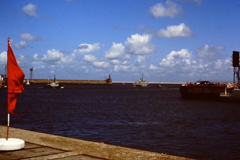Ouverture du nouveau port de Zeebrugge en juillet 1985 - Page 2 008_ju10