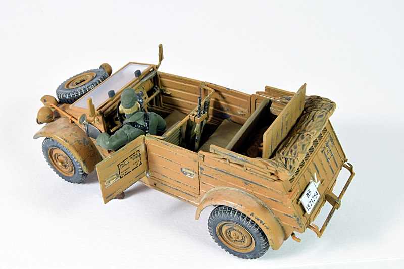 Kubelwagen Type 82 01011