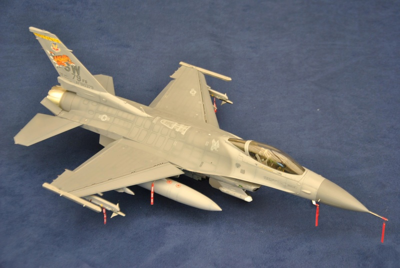 Lockheed Martin F-16C Tamyia 1/32 Dsc_2354