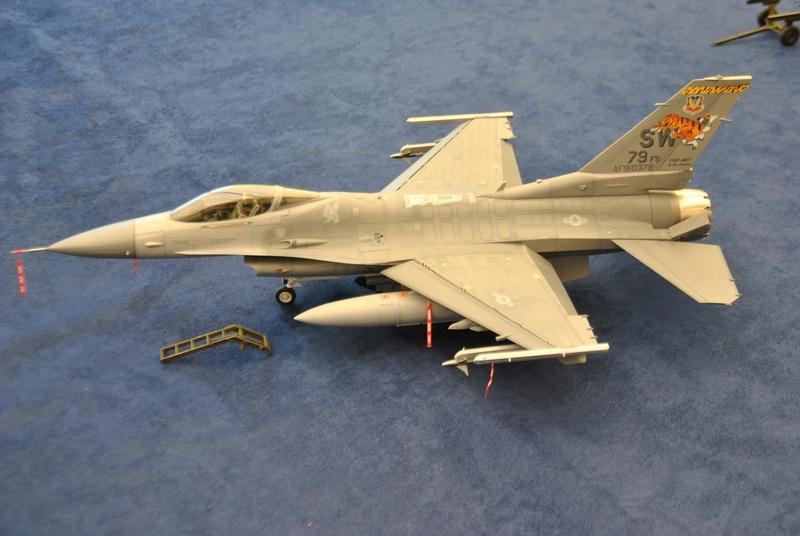 Lockheed Martin F-16C Tamyia 1/32 Dsc_2355