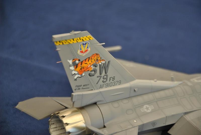Lockheed Martin F-16C Tamyia 1/32 Dsc_2357