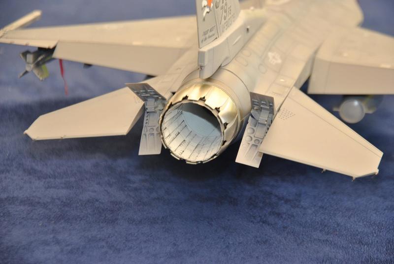 Lockheed Martin F-16C Tamyia 1/32 Dsc_2358