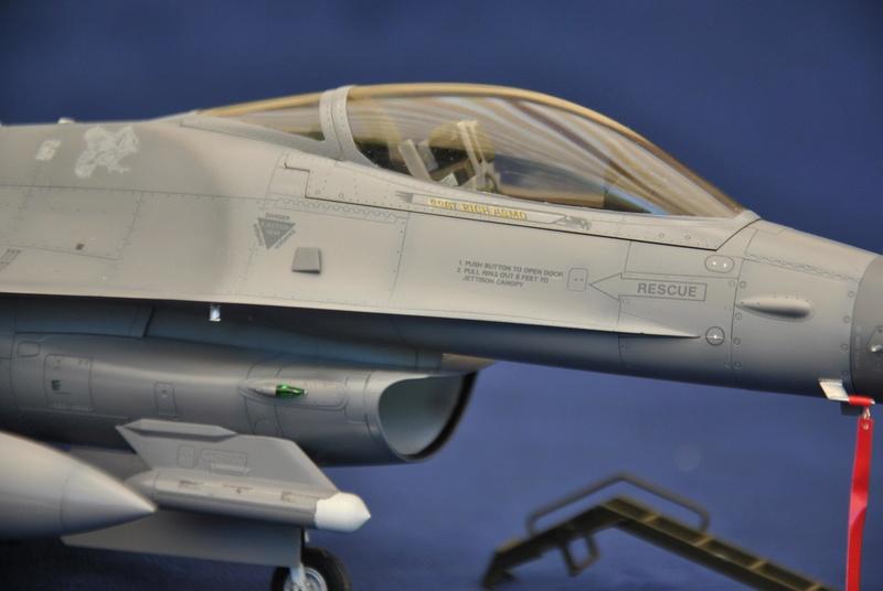 Lockheed Martin F-16C Tamyia 1/32 Dsc_2359
