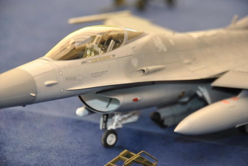 Lockheed Martin F-16C Tamyia 1/32 Dsc_2360
