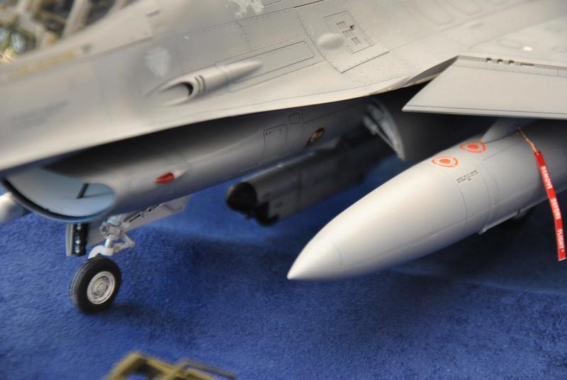 Lockheed Martin F-16C Tamyia 1/32 Dsc_2361