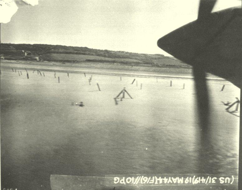 2 - Les obstacles sur la plage d'Omaha à Vierville 1944ma12