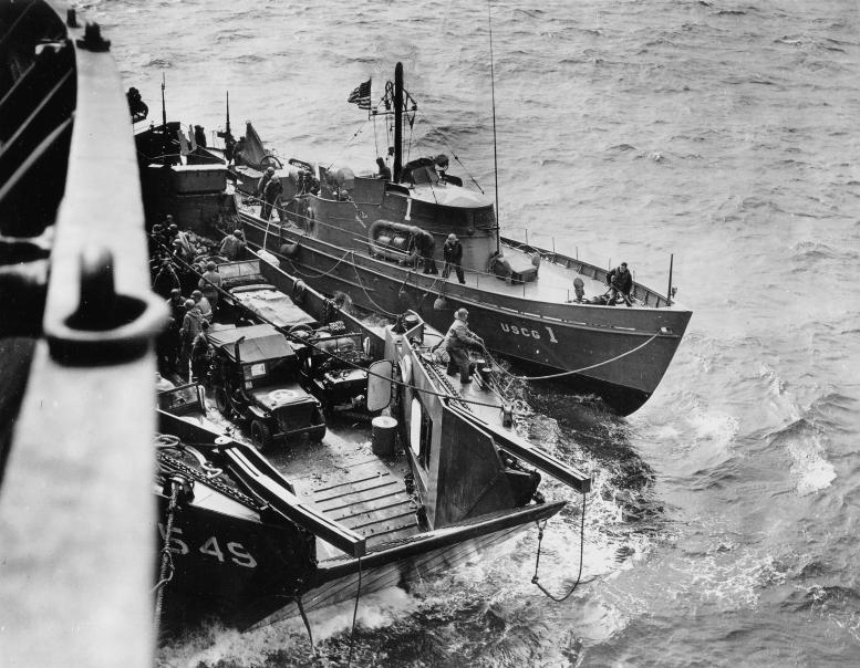 3 - Les forces navales et les bombardements navals prévus sur Omaha Beach le D DAY 37366310