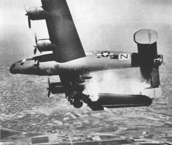 2 - Les bombardements aériens préalables au débarquement du D-DAY B-24_h10