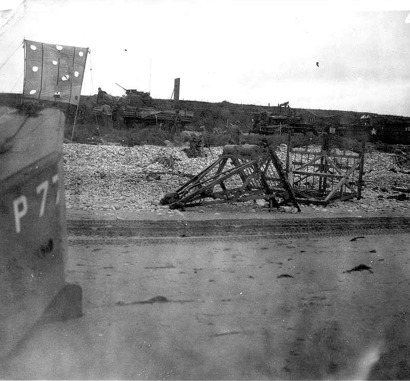 2 - Les obstacles sur la plage d'Omaha à Vierville Brande57