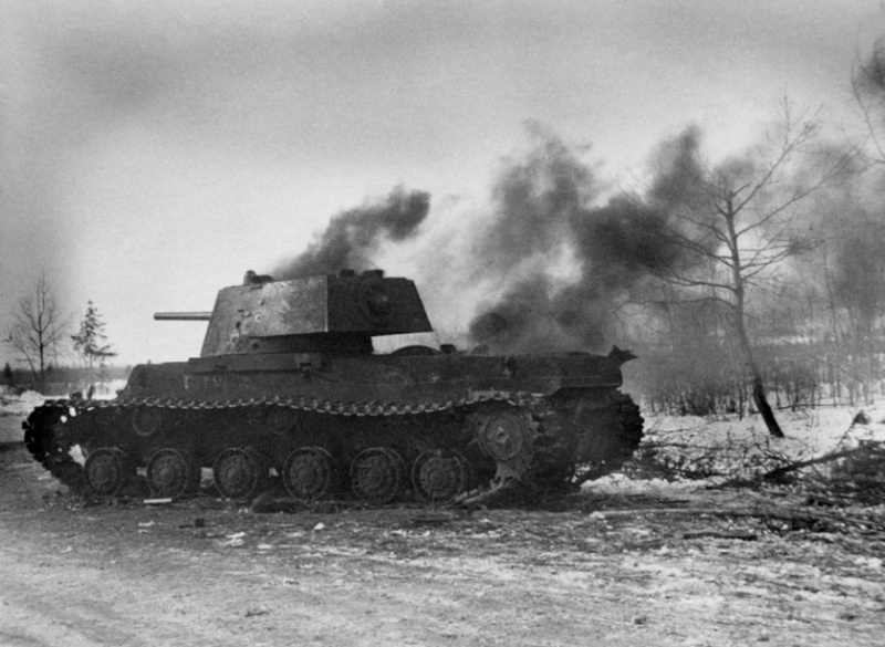 Panzerjäger ! la lutte antichar ! - Page 2 Kv11010