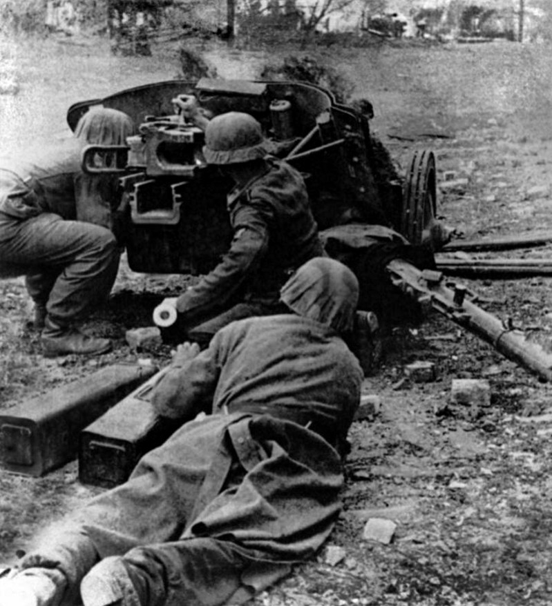 Panzerjäger ! la lutte antichar ! - Page 4 Rfv1010