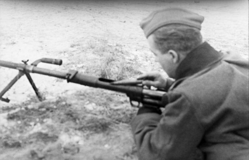 Panzerjäger ! la lutte antichar ! - Page 2 Yjty1010