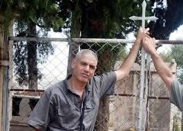 Rassemblement pour exiger la libération immédiate de Slimane Bouhafs à Aokas  - Page 2 296