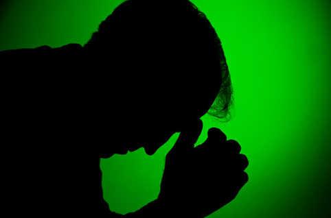 Une maladie qui ne dit pas son nom, qui tue et se tu: Sidaventure vih, vhc sida Silhou10