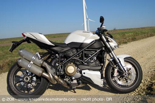 KTM 1290 SuperDuke R VS S1000R - que choisir ? Ducati10