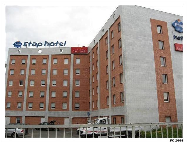 Densification - Extension de l'hotel Ibis de la place du Général de Gaulle 12164913