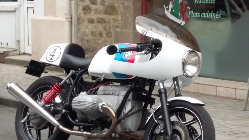 C'est ici qu'on met les bien molles....BMW Café Racer - Page 39 20160512