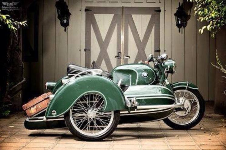 C'est ici qu'on met les bien molles....BMW Café Racer - Page 39 Crc410
