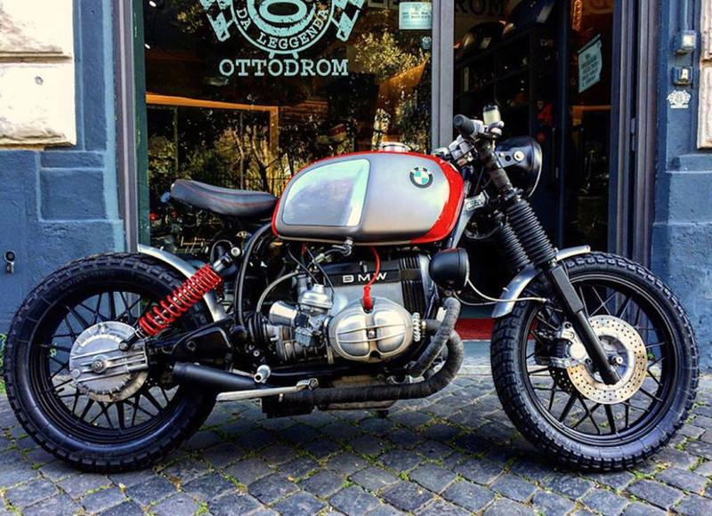 C'est ici qu'on met les bien molles....BMW Café Racer - Page 40 Crc6810