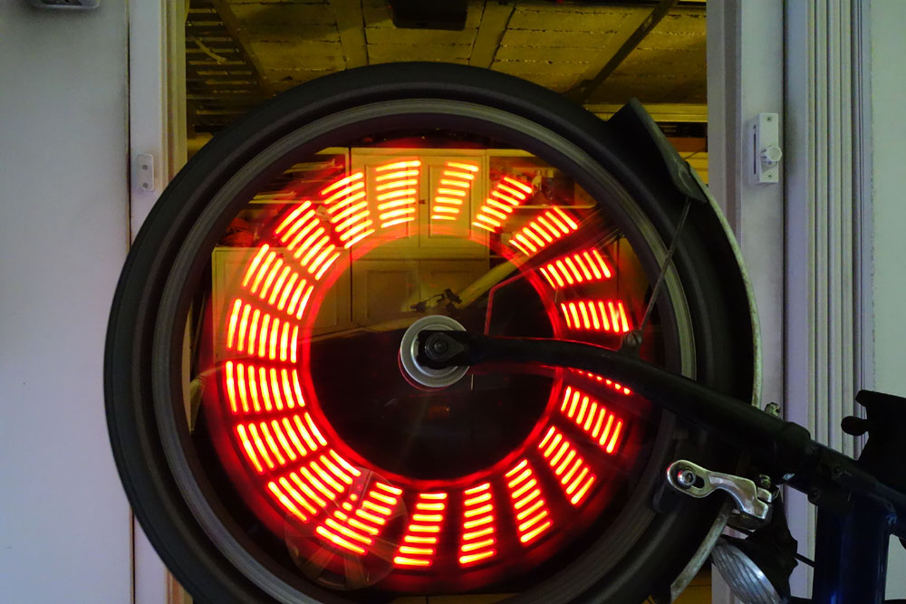 Leds à motif pour rayons de roue (avant) Dsc03910