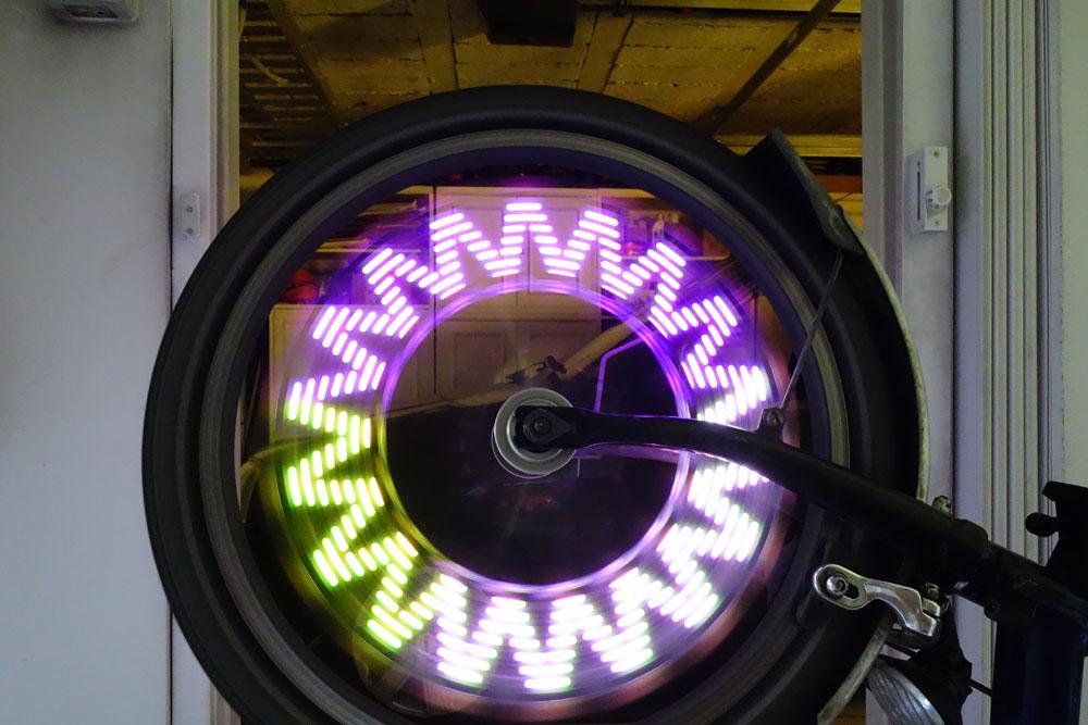 Leds à motif pour rayons de roue (avant) Dsc03911