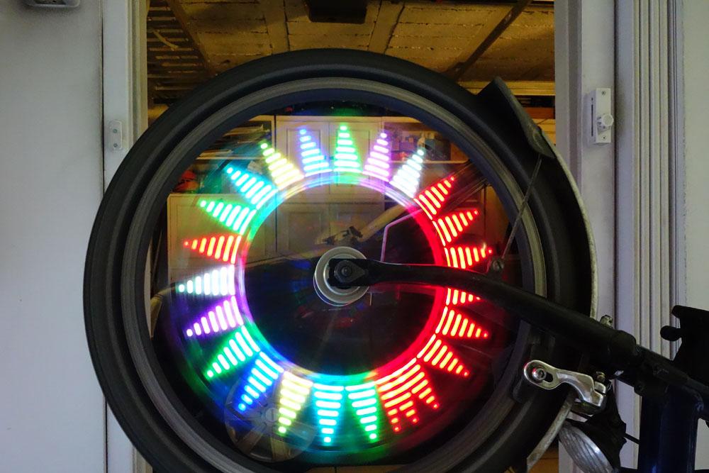 Leds à motif pour rayons de roue (avant) Dsc03912