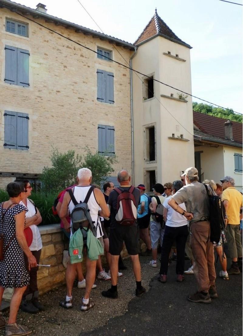 """Lugny (71) : photos de la 4e marche du patrimoine (vendredi 8 juillet 2016) """"Les marcheurs incollables sur le patrimoine"""" (""""Le JSL"""" du mardi 12 juillet 2016) Lugny_20"""