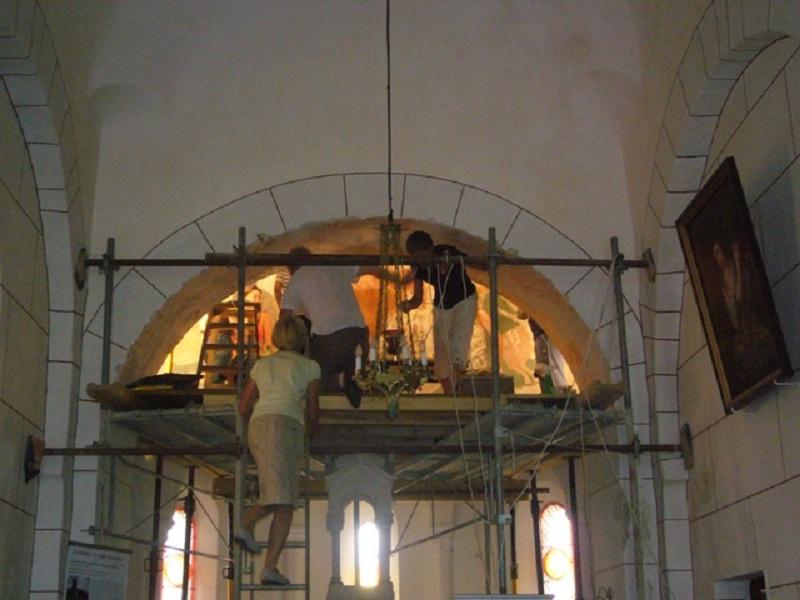 Le chantier de restauration des peintures murales de l'église de Buffières (août 2012) P1150130