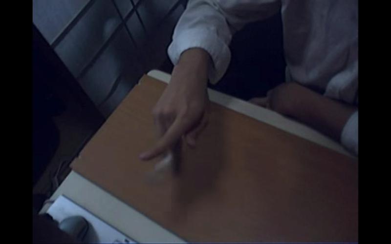 [Jeu] A qui appartient cette (jolie) main? - Page 4 Captur11