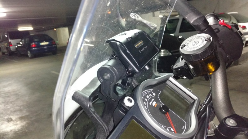 TomTom Rider 4 et support KTM Instal10