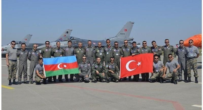 Armée Azeri / Azerbaijani Armed Forces / Azərbaycan Silahlı Qüvvələri - Page 12 Turqui10