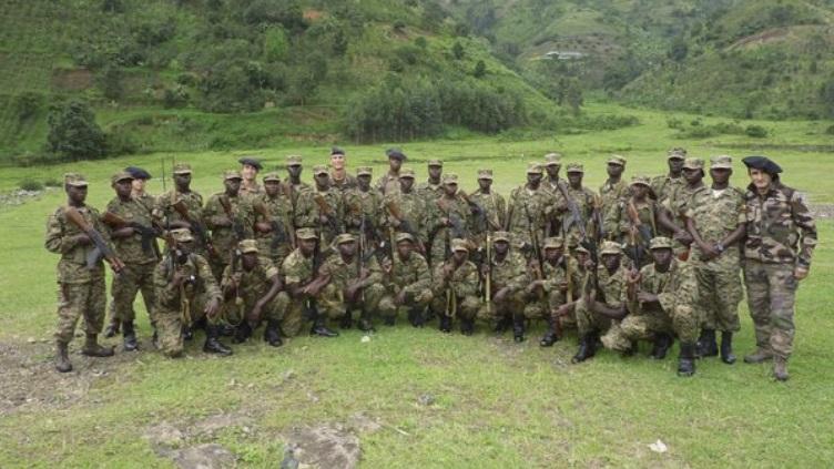Armée Ougandaise/Uganda Peoples Defence Force (UPDF) - Page 4 Uga10
