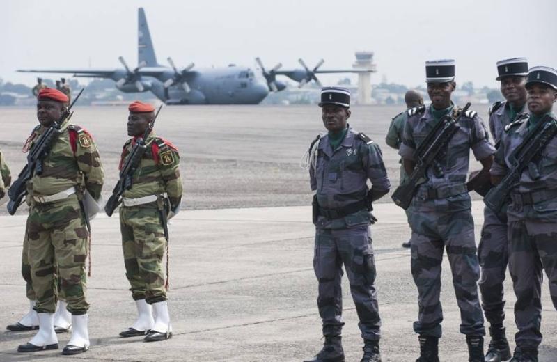 Armée du Gabon - Page 5 37109