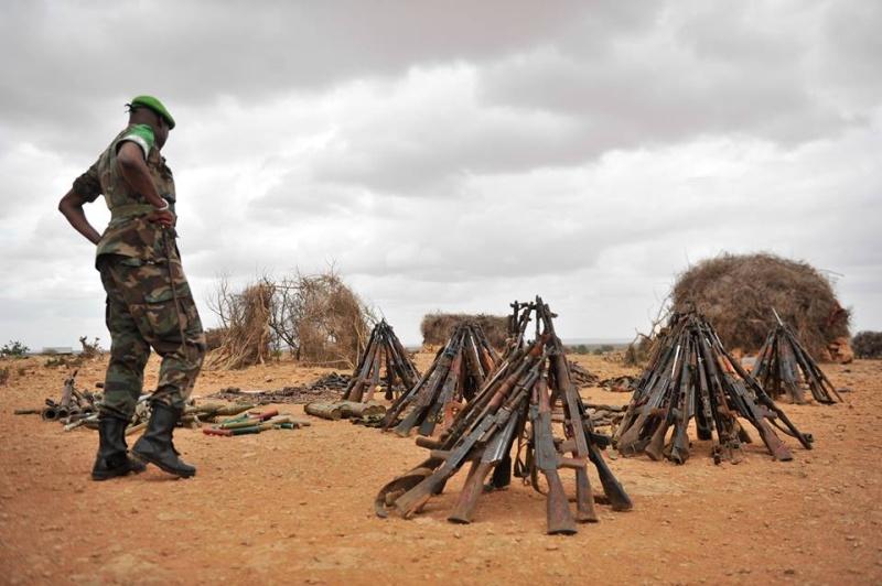Guerre civile en Somalie - Page 3 3827