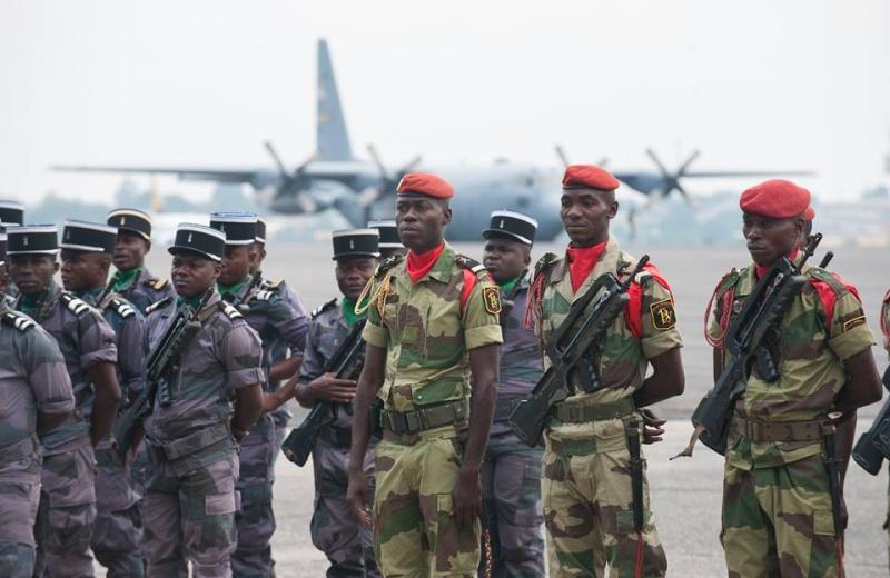 Armée du Gabon - Page 5 4035