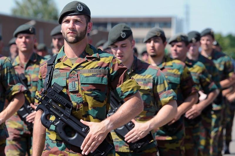 Armée Belge / Defensie van België / Belgian Army  - Page 5 51114