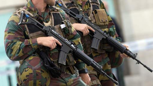 Armée Belge / Defensie van België / Belgian Army  - Page 4 5137
