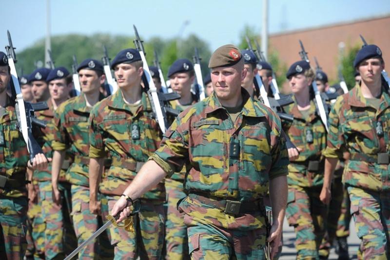 Armée Belge / Defensie van België / Belgian Army  - Page 5 5270