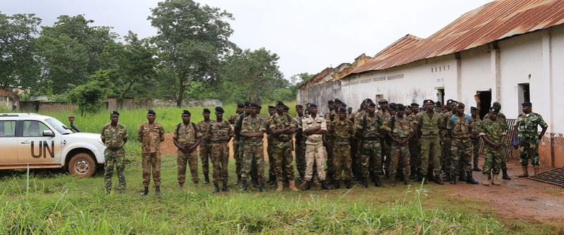 Armées de la République centrafricaine  - Page 2 5284