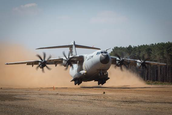Airbus A400M - Page 16 5455