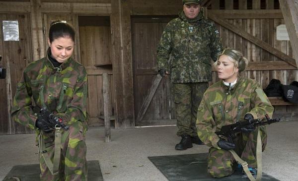 Armée Finlandaise / Finnish Defence Forces / puolustusvoimat - Page 7 55110