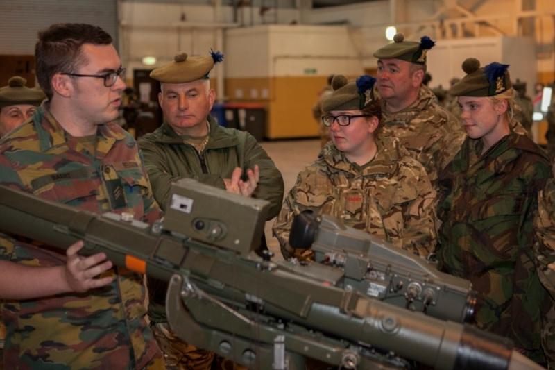 Armée Belge / Defensie van België / Belgian Army  - Page 4 5515