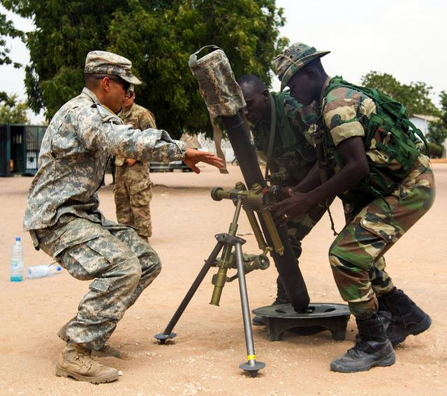 Armée Sénégalaise - Page 7 5580