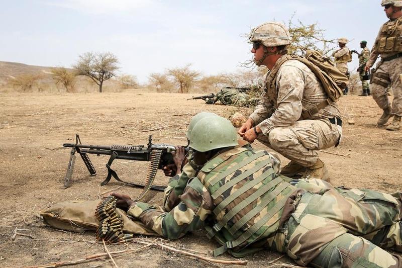 Armée Sénégalaise - Page 7 5839