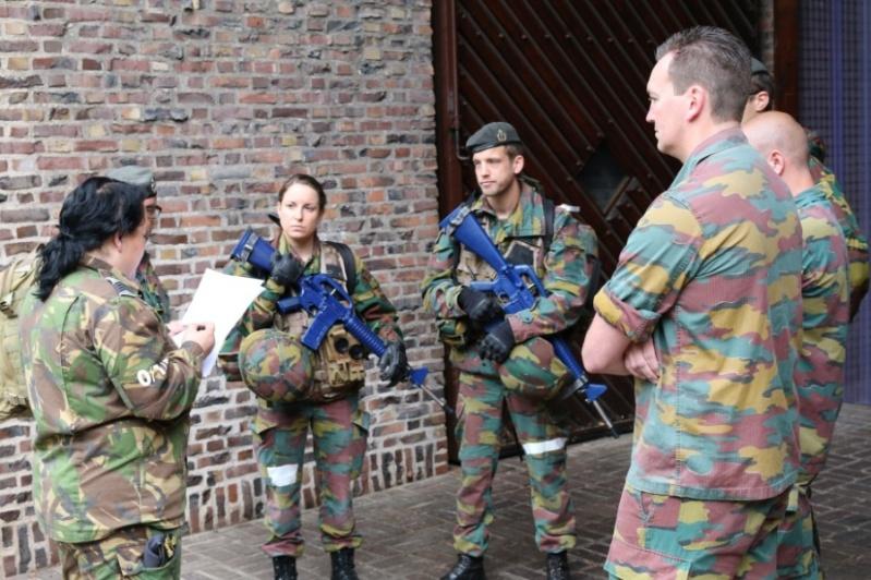 Armée Belge / Defensie van België / Belgian Army  - Page 4 5919