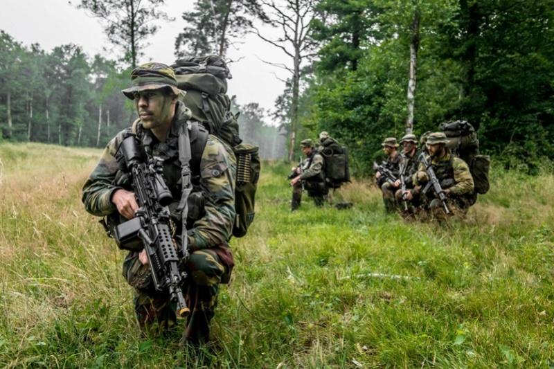 Armée Belge / Defensie van België / Belgian Army  - Page 5 6035