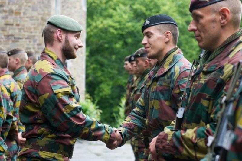 Armée Belge / Defensie van België / Belgian Army  - Page 5 61b12